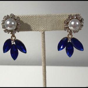 Blue diamond pearl earrings